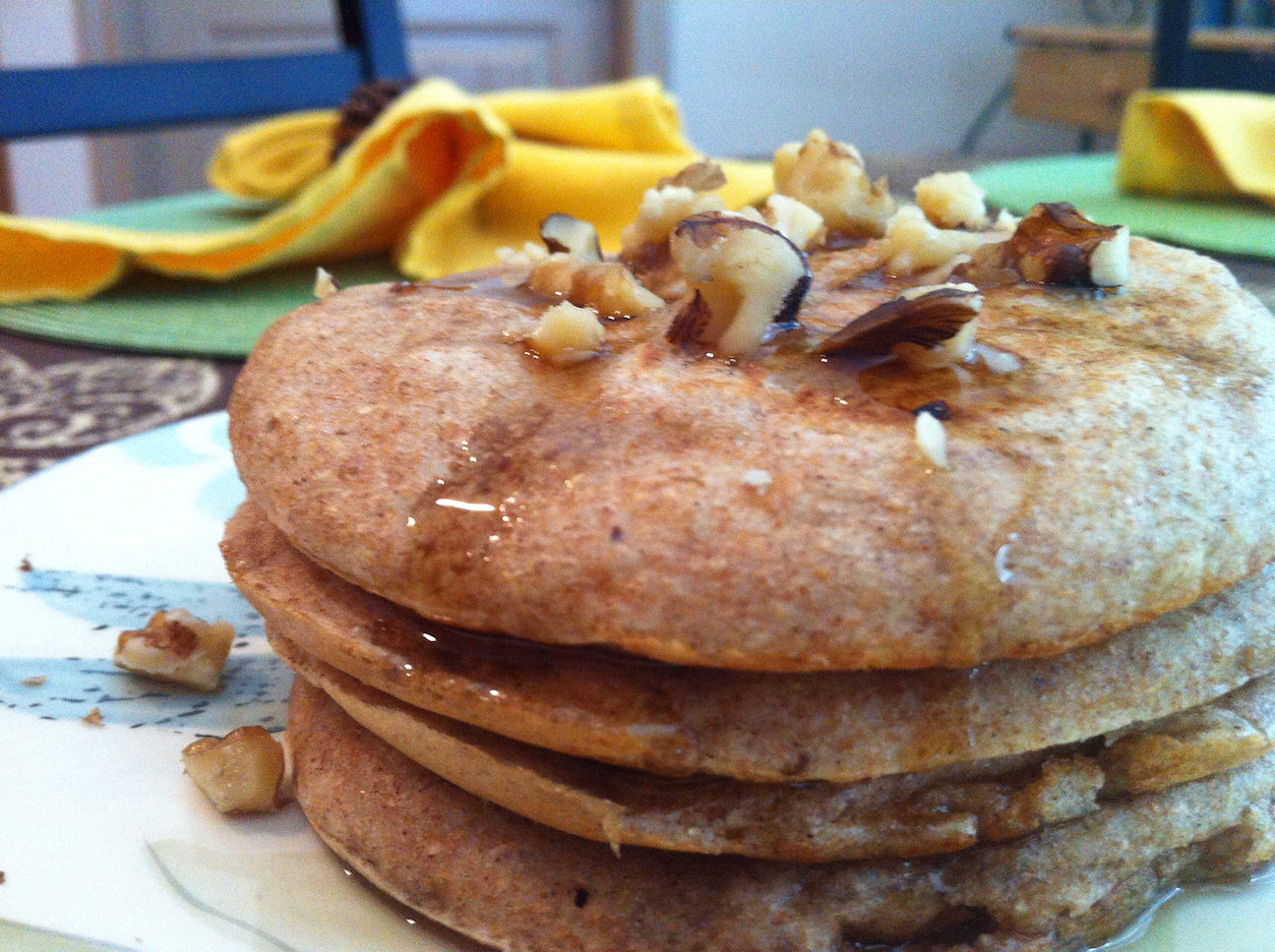 NomEatNom - Whole Wheat Applesauce Pancakes