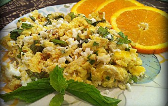 Orange and Mint Scrambled Eggs Overview